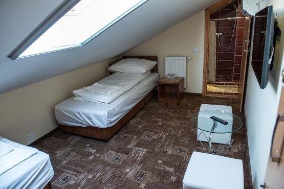 Udvari épület - Tetőtér - P1-es szoba